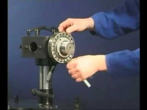 how to install cylindrical roller bearing